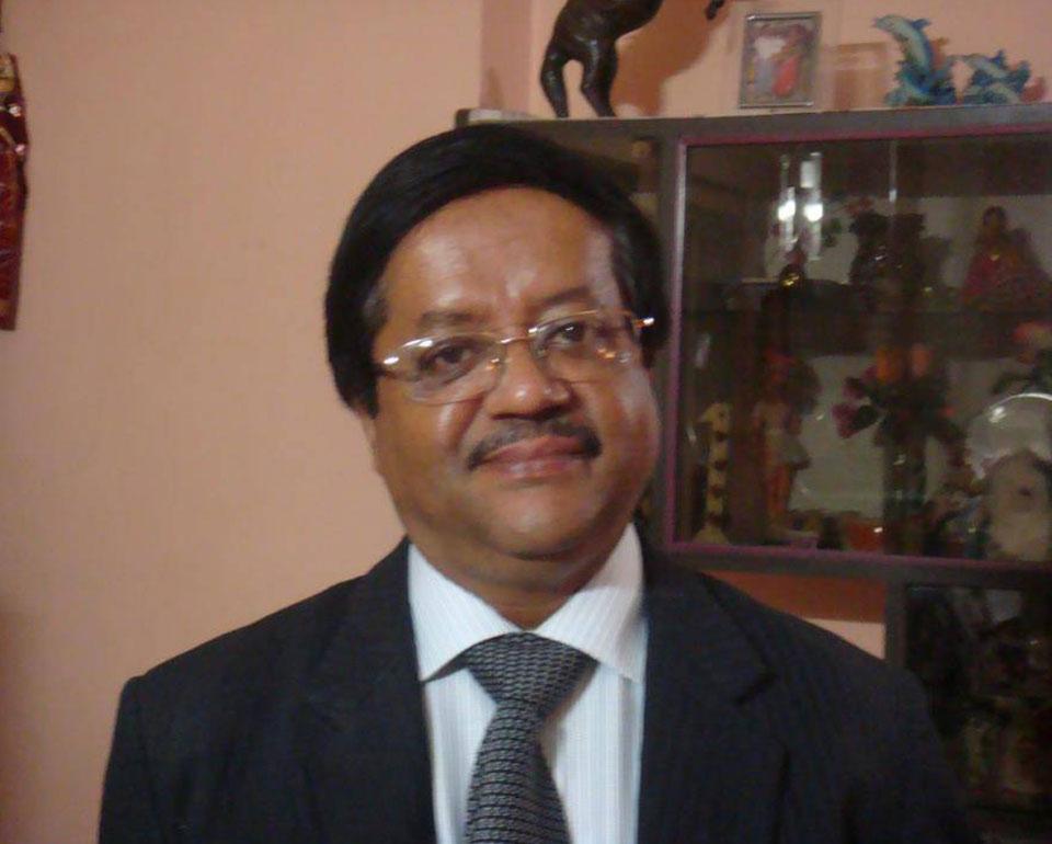Dr. Ranajit De